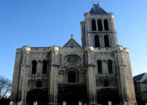 Fachada Catedral de Saint Denis - París