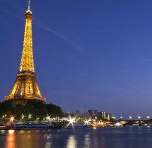 Bateaux Mouches y Torre Eiffel - París